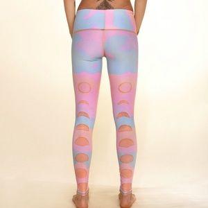 Teeki New Moon Rainbow Hot Pant Leggings Size S